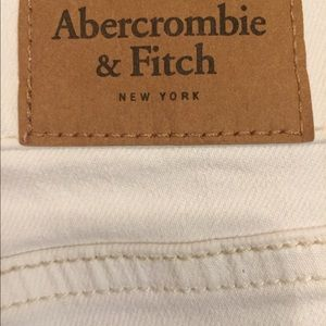 Abercrombie & Fitch Shorts - Abercrombie & Fitch white embellished short